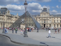 The famed glass pyramid by I.M. Pei inaugurated (along with Napoleon's Hall) on March 30, 1989. A magnificent entrance to the collections.