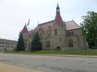 Located a few blocks from Potter Street Station is the Castle Museum of Saginaw County History (500 Federal Way). This former post office (dedicated 1898) was designed in the chateau-style to reflect the French heritage of the area. Today, it exhibits artifacts representing the history of Saginaw. Brief video: https://youtu.be/wMN51y6ugD4