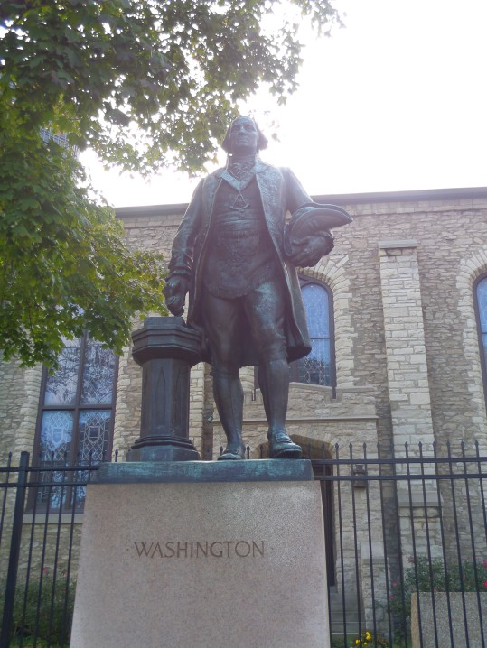 sculpture of George Washington