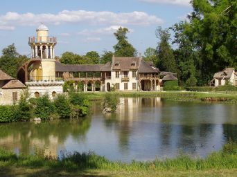 Hamlet at Versailles