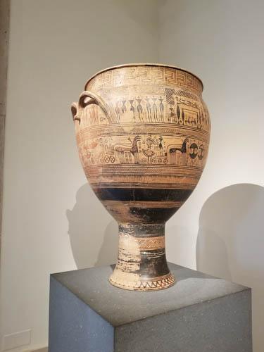 Terracotta krater, Greek, 750-735 BC, Hirschfeld workshop, Metropolitan Museum of Art, New York City