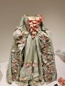 Paper Art by Isabelle de Borchgrave, Flint Institute of Arts
