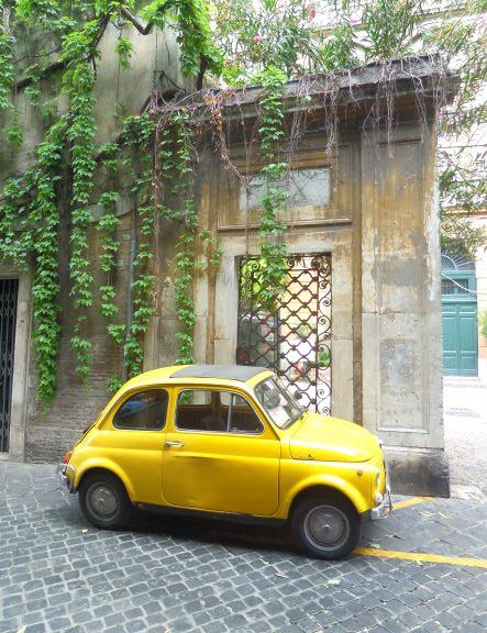 Fiat 500 on via Margutta, Rome, Italy